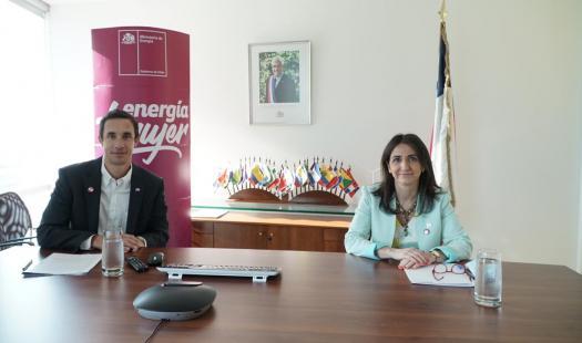 Ministro de Energía y Subsecretaria de la Mujer y Equidad de Género inauguraron la 2 Feria Energía +Mujer