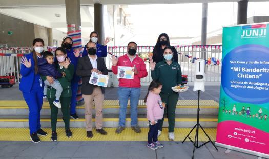 Jardín infantil Mi Banderita Chilena recibe dos tótems de medición de temperatura para reforzar medidas sanitarias de acceso al establecimiento