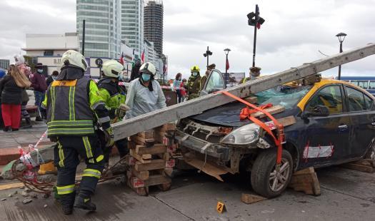 Con simulacro de choque a poste lanzan campaña para prevenir accidentes en Fiestas Patrias