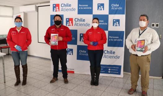 Empresa eléctrica dona tablets para atención de público del IPS Atacama