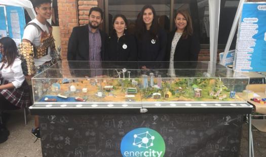 """""""Enercity"""" sigue su recorrido ciudadano en feria científica estudiantil de Santiago"""