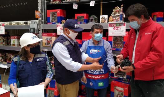 Seremi de Energía de Aysén y Director Regional SEC llaman a comprar y utilizar guirnaldas navideñas certificadas