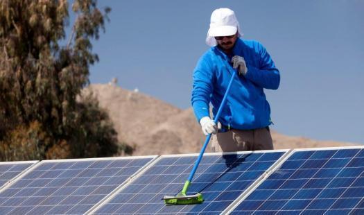 Energía capacita a nuevos electricistas fotovoltaicos en liceos técnicos profesionales