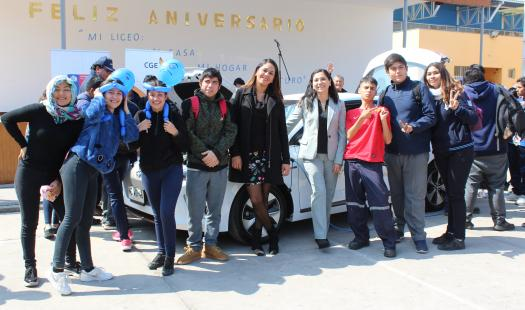 Estudiantes de Liceo Politécnico de Iquique se capacitan en electromovilidad