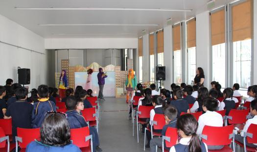 """""""Solaria"""": teatro gratuito recorre la RM educando sobre energía renovable"""
