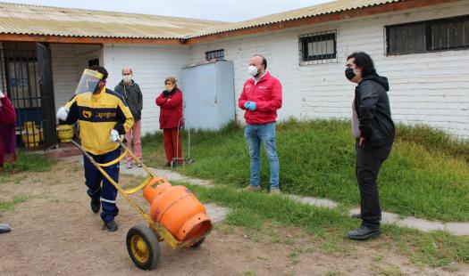 Gestiones de la SEREMI de Energía logran aportes de gas para familias de la Región