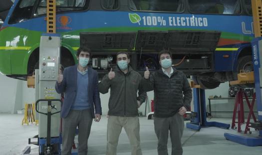 """Autoridades visitan innovadora startup """"Reborn Electric Motors"""" que impulsa la electromovilidad desde la región de O´Higgins"""