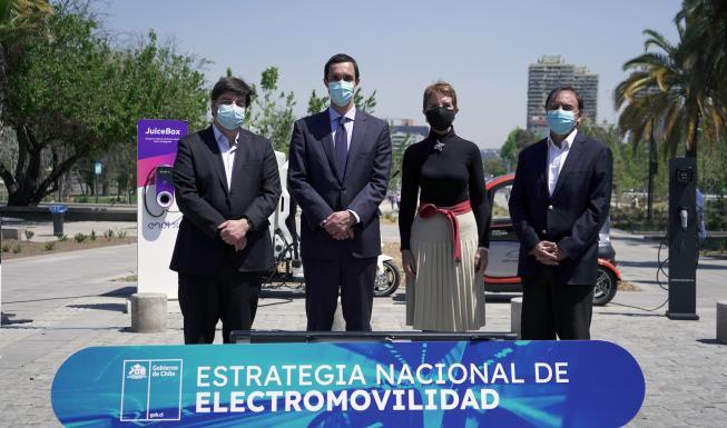 Lanzamiento Estrategia Nacional de Electromovilidad: Gobierno anuncia que a...