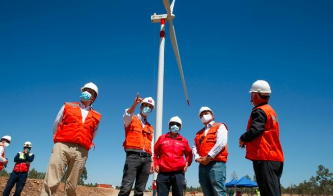 Ministro Jobet visita proyecto de Energías Renovables destacando inversión...