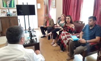 Autoridades se reúnen con presidente de la Asociación de Municipalidades de la Quinta Región para trabajar pro...