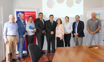 Seremi de Energía de Arica y Parinacota asiste a charla sobre el alimento del futuro