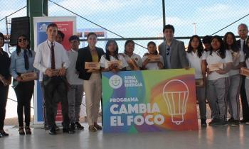 Alumnos de Pica cambian el foco y ahorran energía