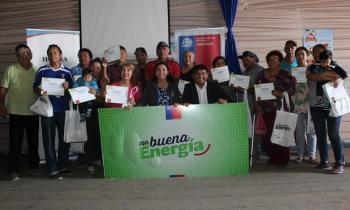 Vecinos de Pisagua son más eficientes Con Buena Energía