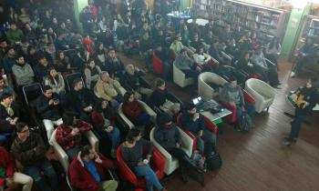 Café Científico sobre energías renovables reunió a 200 personas