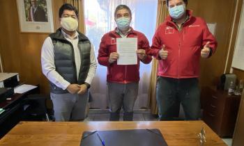 Gobernador de Capitán Prat y Seremi de Energía firmaron convenio para capacitar a la comunidad en eficiencia energética residencial