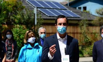 Ministro de Energía lanza innovadora iniciativa para instalar sistemas solares en viviendas