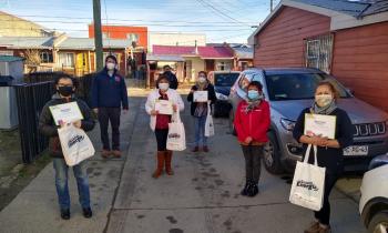 SEREMI de Energía y Prodemu lideraron entrega de kits eficientes a vecinas del sector Seno Almirantazgo de Punta Arenas