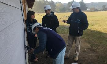 Fiscalizan instalaciones eléctricas en Escuela de Curiñanco y Jardín Infantil Los Lobitos de Niebla