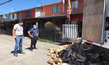 Capacitan a las familias de la comuna de Llanquihue en el buen uso de la leña