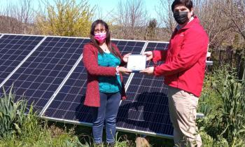 Pymes de Chiloé son beneficiadas con paneles solares en sus negocios y hostales para disminuir costos de energía