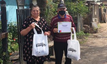 Familias de la Provincia de Cachapoal recibieron ampolletas LED para ahorrar en las cuentas de la luz