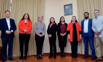 """Seremis de Energía y Minería realizaron exitosa charla """"Minería y Energía: Industrias para la Mujer"""""""