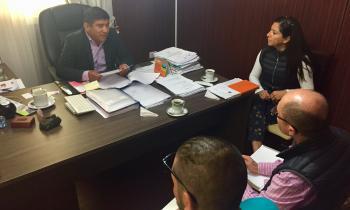 Autoridades coordinan acciones para impulsar la eficiencia energética en liceo de Huara