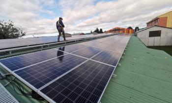 Ministerio de Energía constata 60% de avance en Proyecto Fotovoltaico de Liceo Industrial de Valdivia