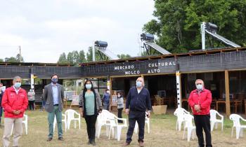 Feriantes de Molco Alto inauguran sistema fotovoltaico para agua caliente sanitaria
