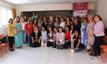 """Mujeres se reúnen en Conversatorio Energía + Mujer: """"Escuchando nuestras voces"""""""
