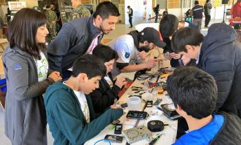 """Lanzan concurso estudiantil: """"Suma Buena Energía"""" que premiará a los colegios con recambio de luminarias a LED"""