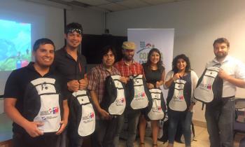 Instructores de montaña y escalada recibieron kits solares