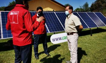 """Anuncian programa """"Casa Solar"""" en vivienda de angelino que ahorra 25 mil al mes con el sistema"""