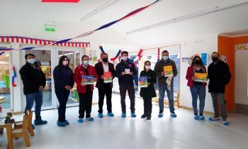 Jardín infantil Tanana de Puerto Williams recibió material pedagógico sobre sostenibilidad y eficiencia energética