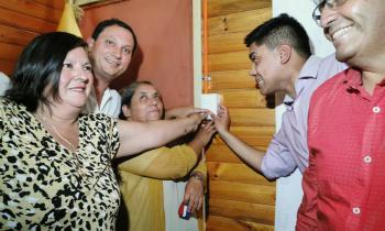 """Más de 80 familias de Florida accedieron a la luz eléctrica gracias al programa """"Ruta de la Luz"""" del Ministerio de Energía"""
