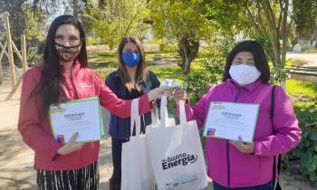 """Seremi de Energía de Valparaíso certificó y entregó primeros kit´s de ahorro a mujeres participantes del curso web """"Con Buena Energía"""""""