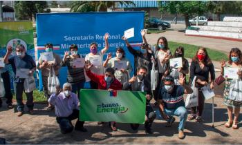 Familias de Rengo se capacitan en Eficiencia Energética y reciben ampolletas Led para ahorrar en las cuentas de la Luz