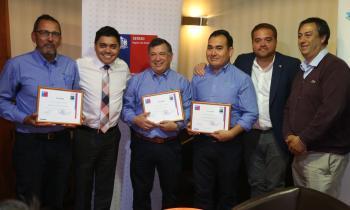 Trabajadores fueron reconocidos por el Seremi de Energía por su labor en el terremoto del 27F