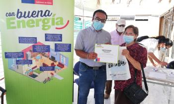 Junto a vecinos de la Población Favorecedora de Antofagasta Seremi de Energía celebró Día Mundial de la Eficiencia Energética