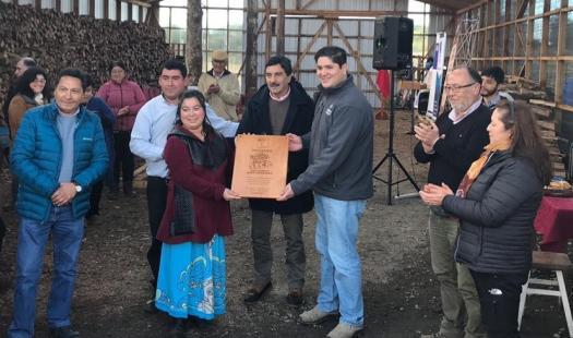 Inauguran centro de acopio de leña seca y maquinaria en la comuna de Quemchi