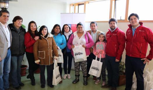 Subsecretario de Energía entrega cerca de 100 kit de ahorro energético a las familias del sector Alerce de Puerto Montt