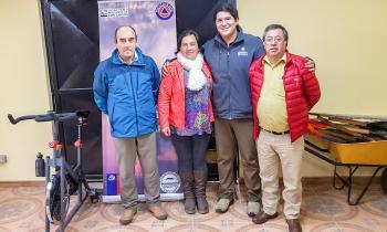 Seremi de Energía se reúne con alcalde de Cochamó para trabajar en beneficio de las familias que no tienen ene...