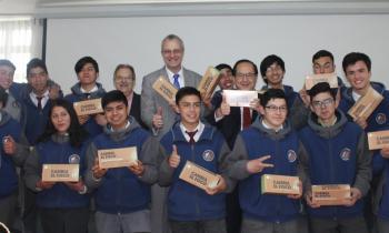 Programa Cambia El Foco beneficia a más de 600 alumnos y profesores del Liceo Industrial de Osorno con ampolle...