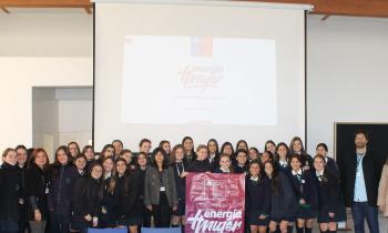 """Alumnas del Colegio Albamar participan en conversatorio """"Más Mujeres en Energía"""""""