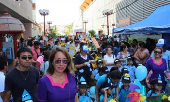 Niños de Arica se comprometen con la Eficiencia Energética en masivo pasacalle