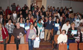 300 adultos mayores de Iquique...