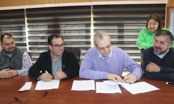 Seremi de Energía firma convenio con Cámara de Comercio Detallista y Turismo de Ancud para promover la Eficien...