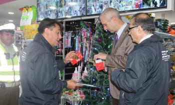 Autoridades fiscalizan luces navideñas y llaman a comprar productos certificados con sello SEC