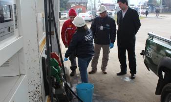Fiscalizan calidad de combustibles que se comercializa en bencineras de Coyhaique