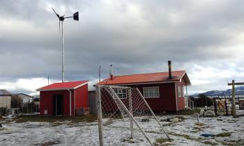 Alumnos descendientes kawésqar y mapuche-huilliche son capacitados en el uso sostenible de la energía con el P...